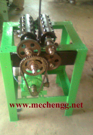 Automatic Wood Crusher with conveyor belt mechanical Project